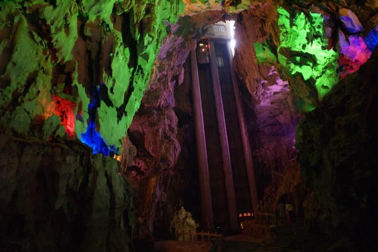 Подземные пещеры в Китае