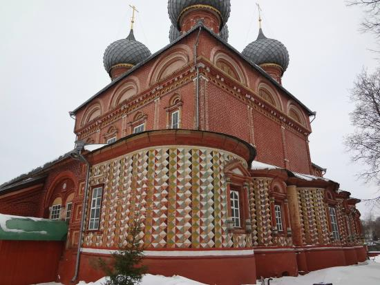 Очень древняя церковь
