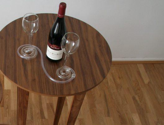«Парные бокалы» — не дадут напиться в одиночку