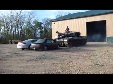 Танки против автомобиля
