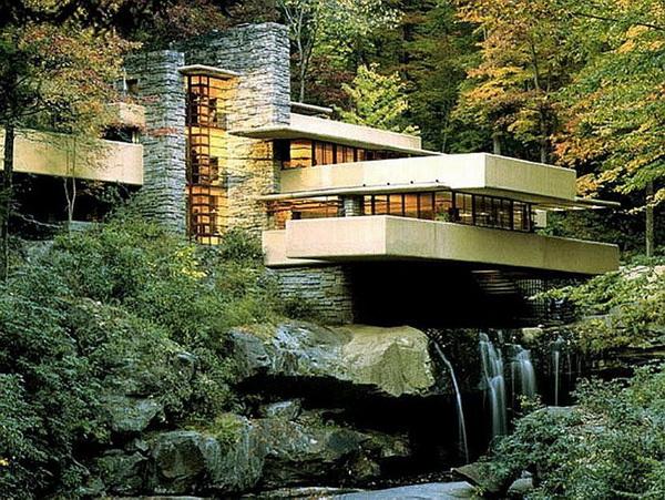 Дом над водопадом - уникальный шедевр органической архитектуры.