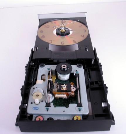 Часы из DVD привода.