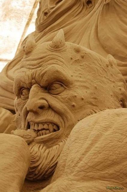 Крупнейшая скульптура из песка